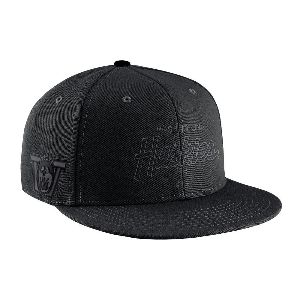 Nike Washington Huskies Snapback Hat Black Front