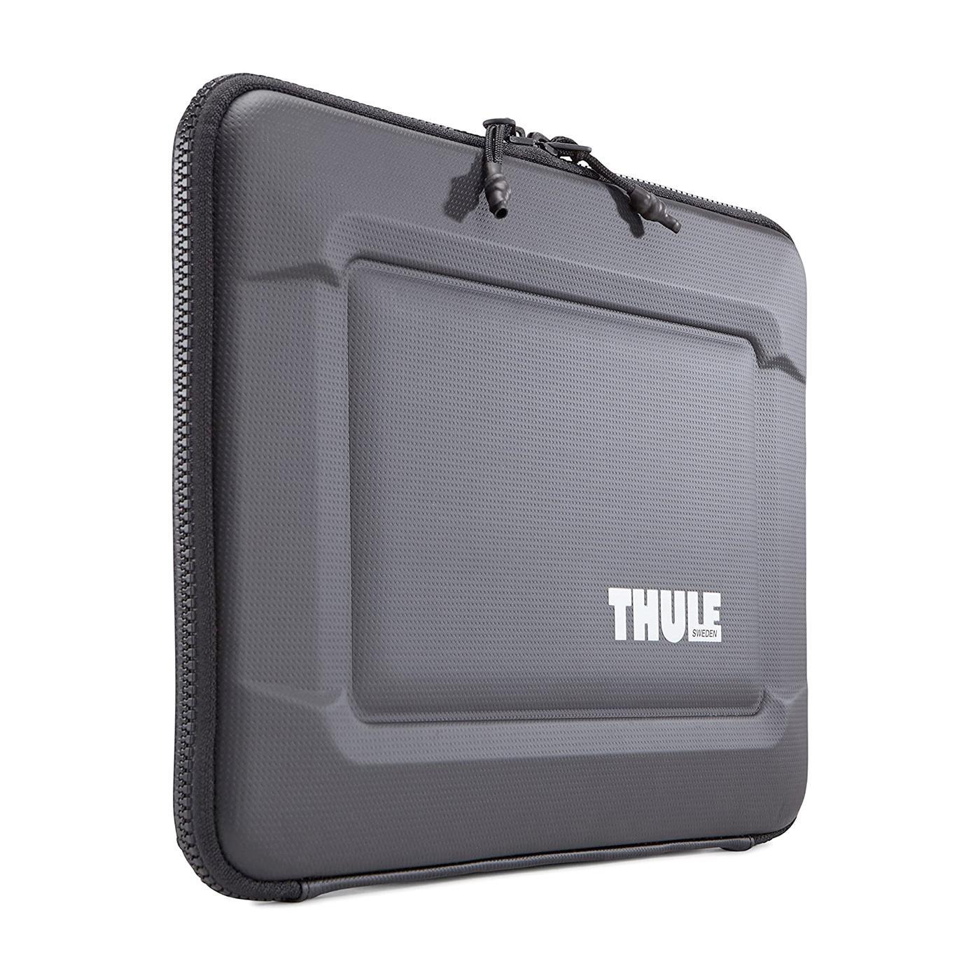"""Thule Black Gauntlet MacBook Pro 13"""" Sleeve"""